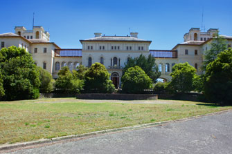 accommodation ararat motel aradale asylum